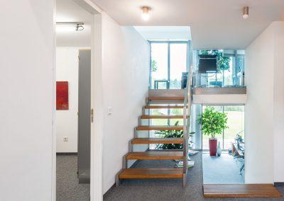 Zugang zur oberen Büroebene